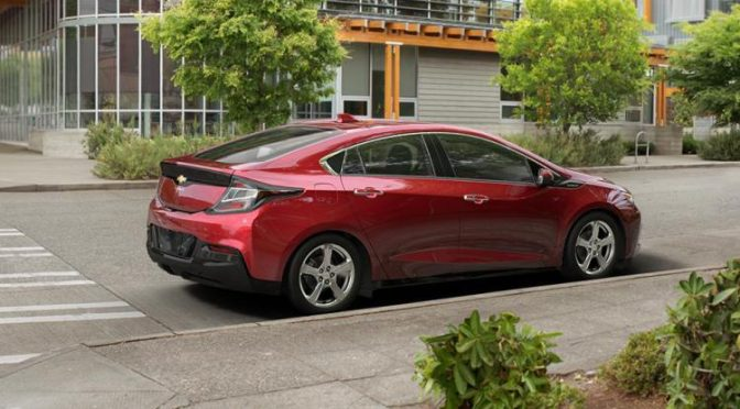 Mr. Mobile Reviews the 2017 Chevy Volt